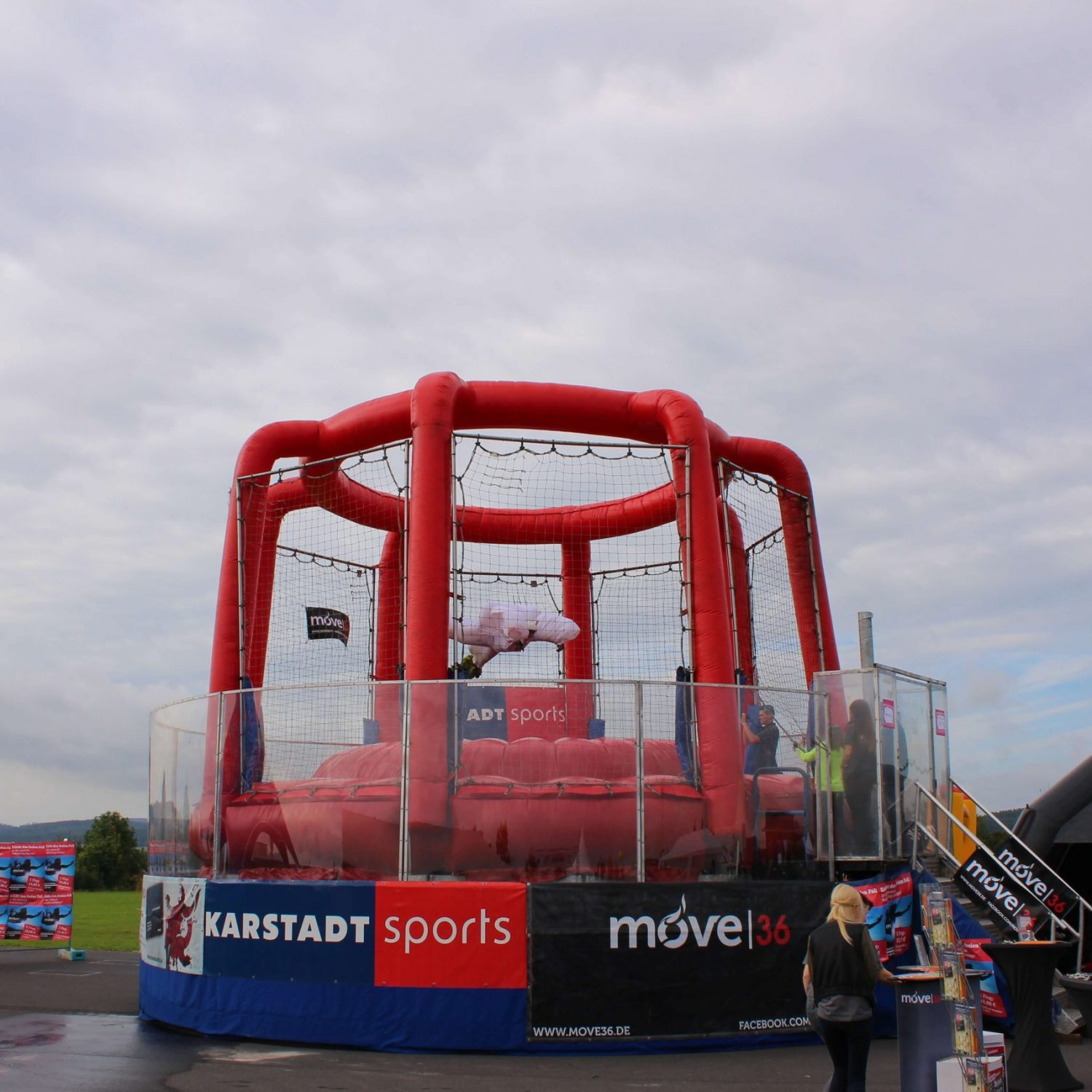 Mobile-Event-Body-flying-Anlage-air-power-arena-hückelhoven