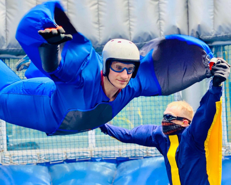 Professionelle-Bodyflying-Einführung-teams-kollegen-after-work-air-power-arena-hückelhoven